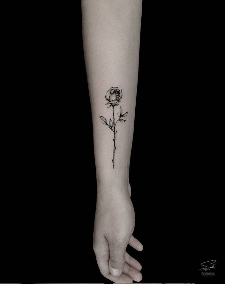 25 Delicate Small Flower Wrist Placement Tattoo Unique Ideas For Woman