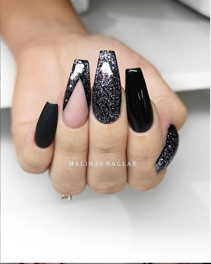 60 Trendy Sparkle Acrylic Coffin Nails Design With Glitters Inspiration
