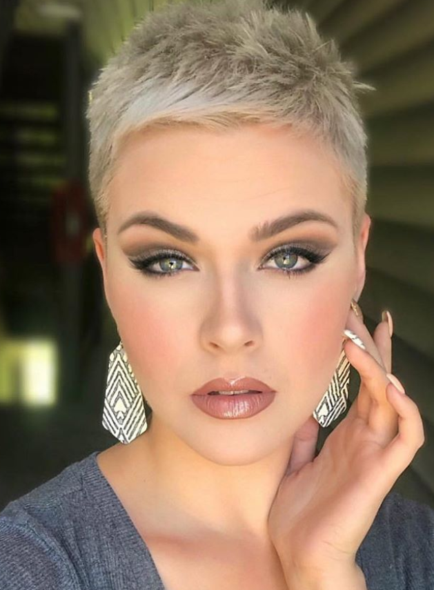25 Best White Pixie Haircut Ideas For Cool Short Hairstyle
