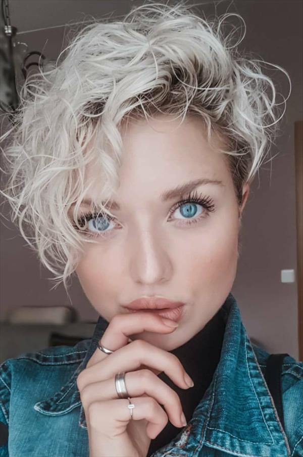 27 Trendy Short Haircut Ideas For Woman 2020