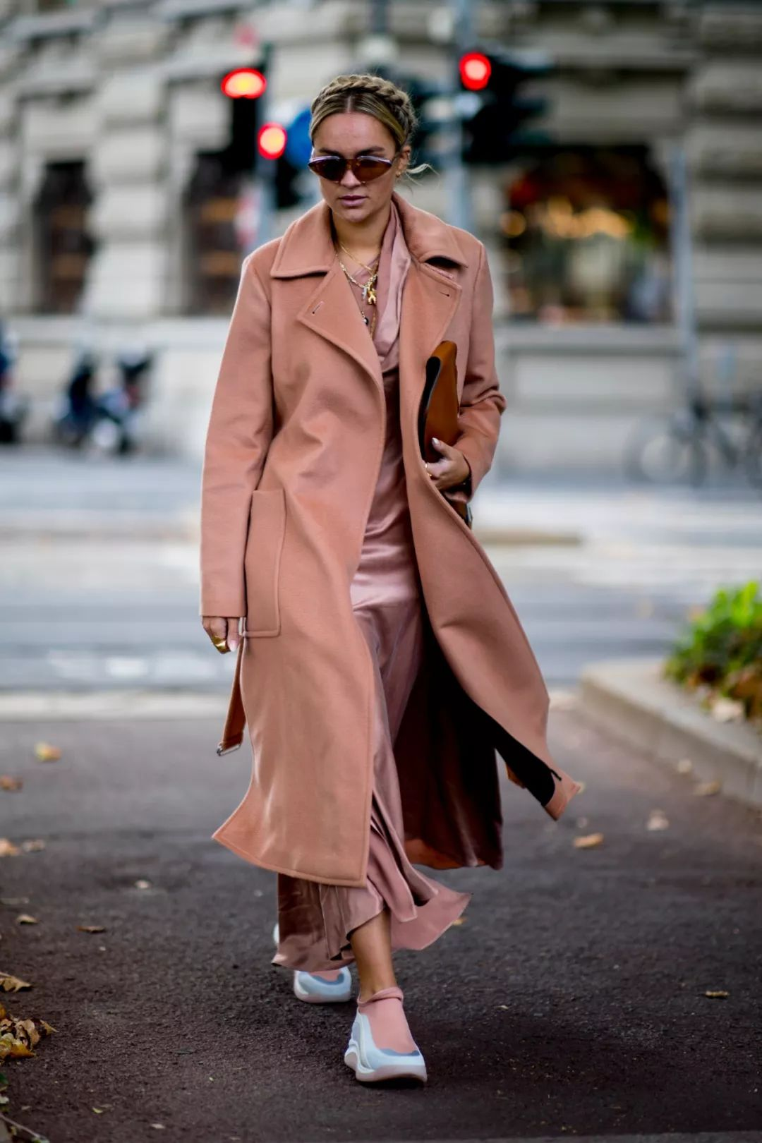 Still Wearing A Camel Coat? It's Time To Change Your Classy Coat In Spring 2020!