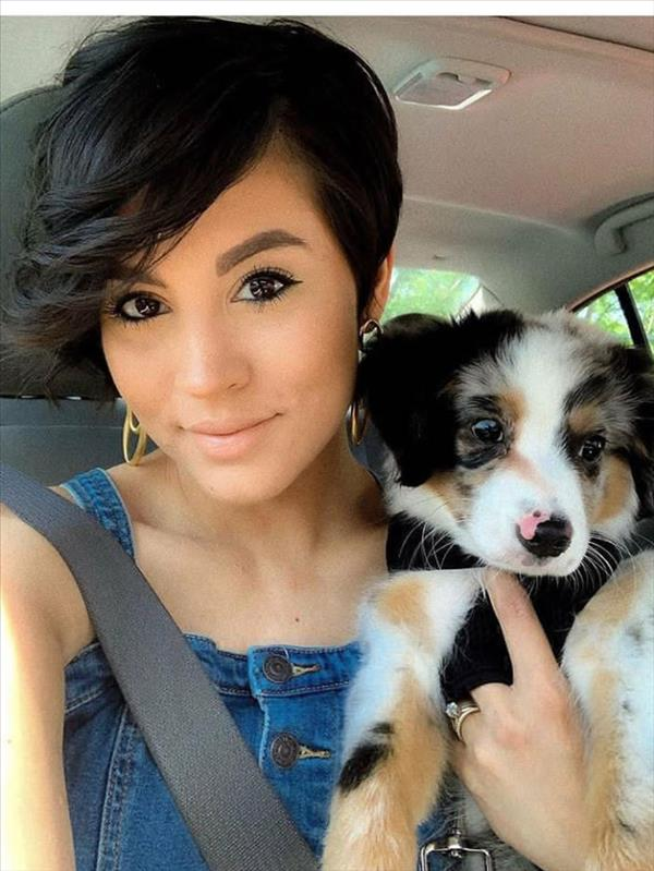 Girls with short hair are not only cute but also cool!