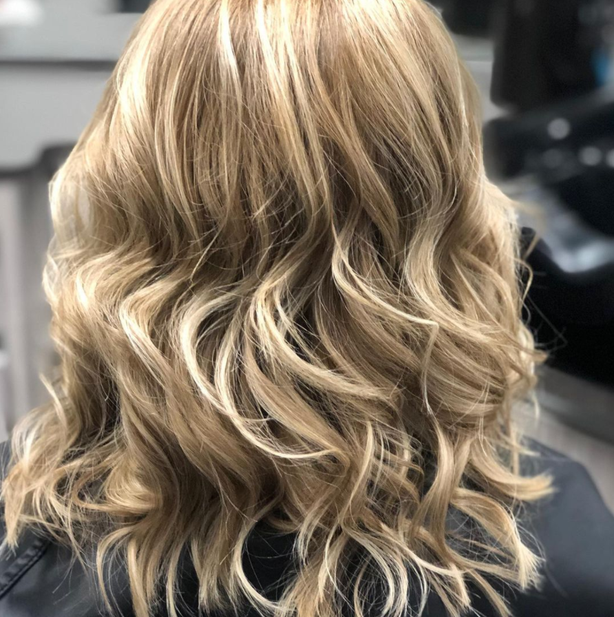 25 Dark blonde hair options for your next visit to the salon